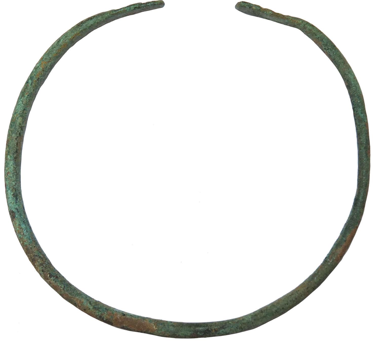A Near Eastern bronze bracelet, c. 800 B.C.
