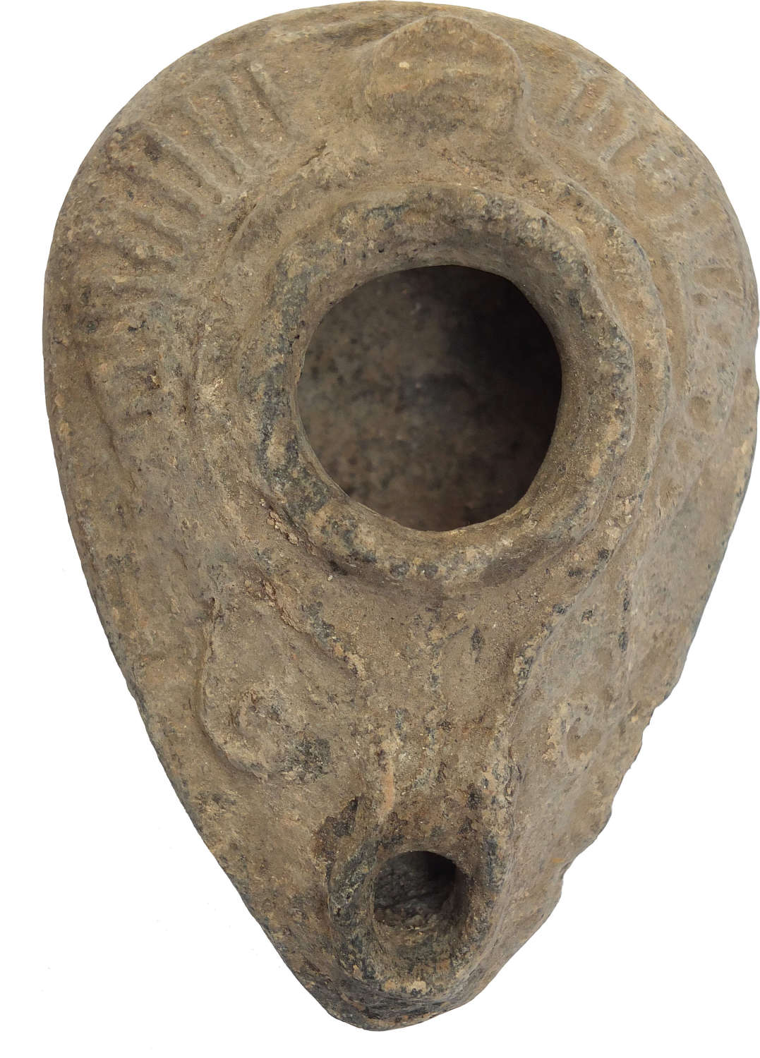 A Byzantine/early Islamic terracotta oil lamp, c. 600-800 A.D.