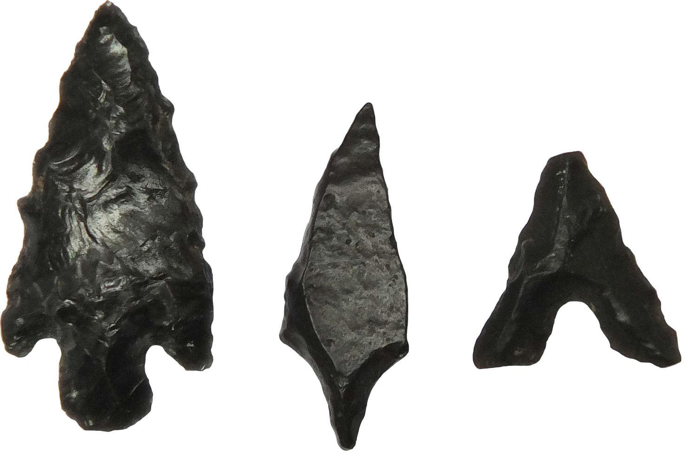 A group of three Saharan Neolithic arrowheads, c. 6500-4000 B.C.